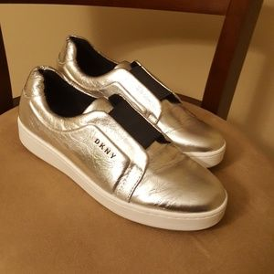 *make offer*DKNY silver/platinum shoes